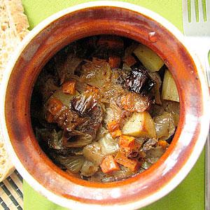 Жаркое со свининой в горшочках в духовке
