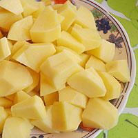 Добавляем картофель - фото