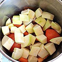 Поверх овощей кладем цуккини - фото