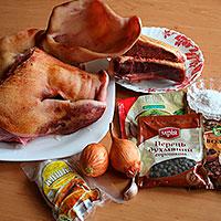 Ингредиенты для домашней колбасы из свинины