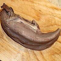 Чистим от шкурки свиной язык - фото
