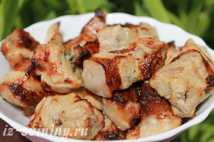 Сочный шашлык из свинины в сметанном маринаде