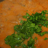 присыплем зеленью блюдо - фото