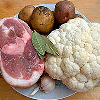 Ингредиенты для свиная рульки запеченной в духовке с овощами