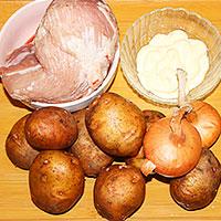 Ингредиенты для запеченных в духовке свинины и картошки - фото